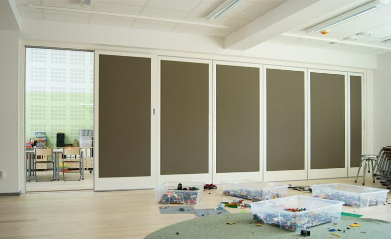 Quiet solutions Folding wall